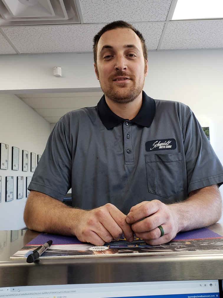 Brent tech team leader at schmidt auto care